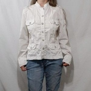 Coupe white shirt jacket with belt